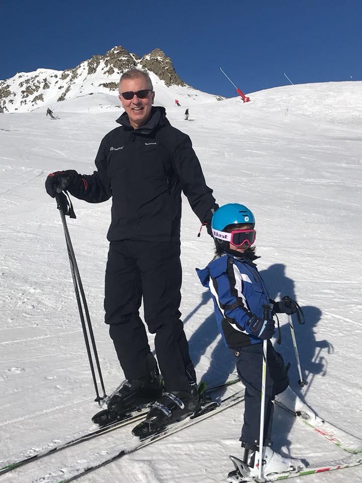 21. Esquiando