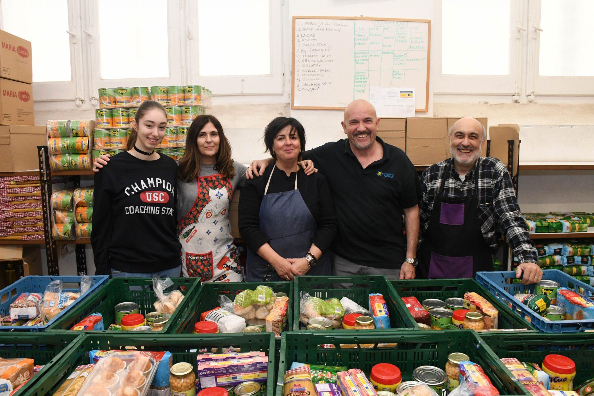 38. Voluntarios comida