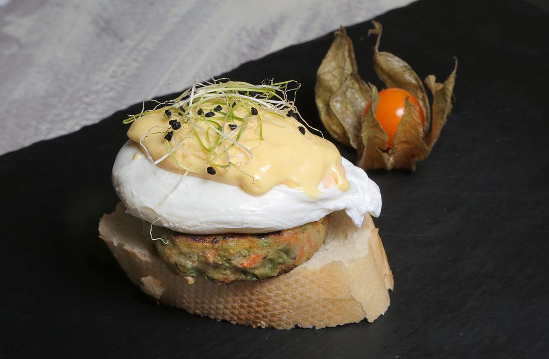 53-DOÑA-TAPA_hamburgesita-vegetal-con-huevo-poché-1080x706