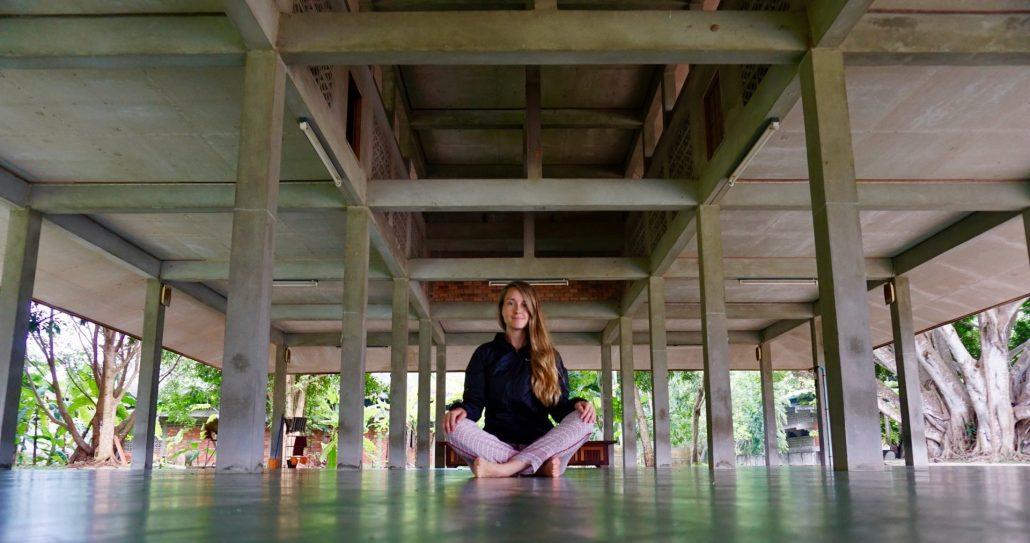 03. Sarah_Dodd_meditando
