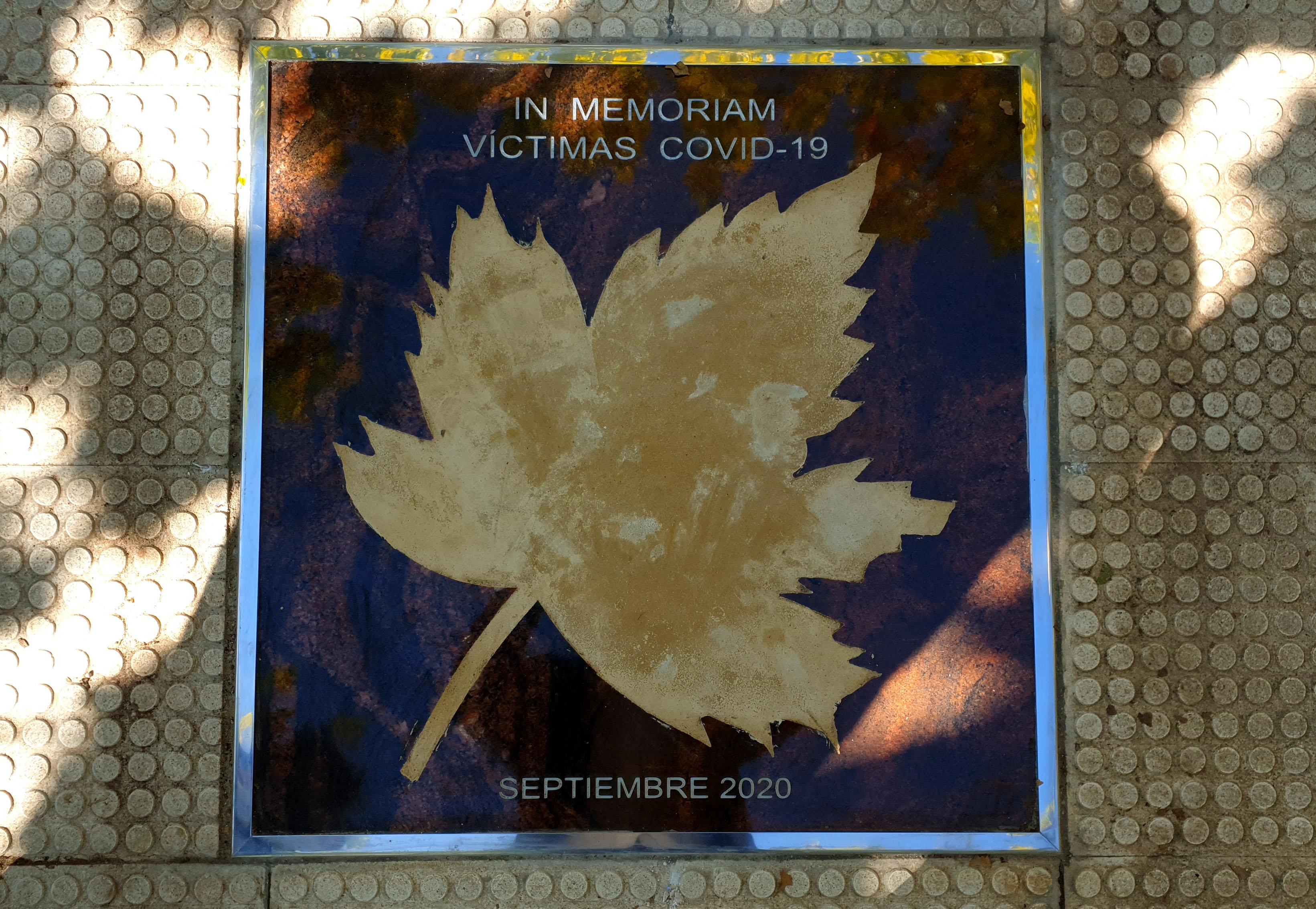 La placa será un recuerdo permanente en el Paseo de las Estrellas a las víctimas de la pandemia