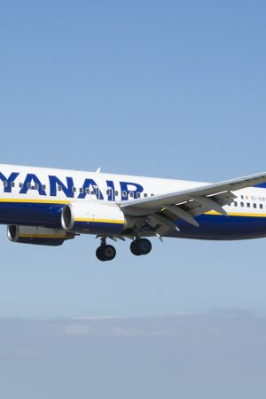 Ryanair_Boeing_737-800_EI-EBX