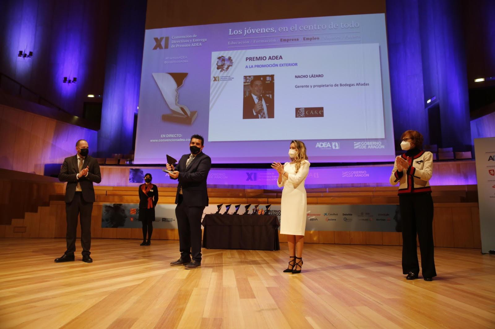 Nacho Lázaro recogiendo el premio ADEA 2020