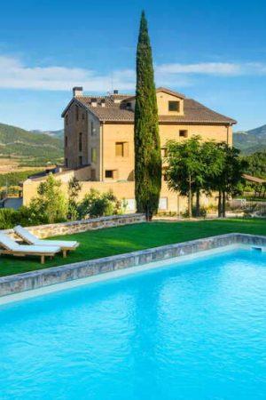 hotel-monroyo-teruel-piscina-torre-del-marques