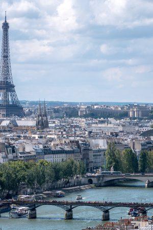 La Tour Eiffel vue de la Tour Saint-Jacques
