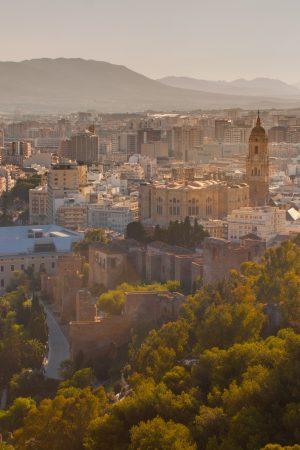 Panorámica_de_la_ciudad_de_Málaga_(2)